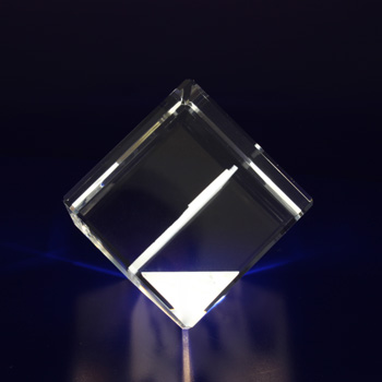2D-Photo-Crystal-40mm-Diamond-Side-View