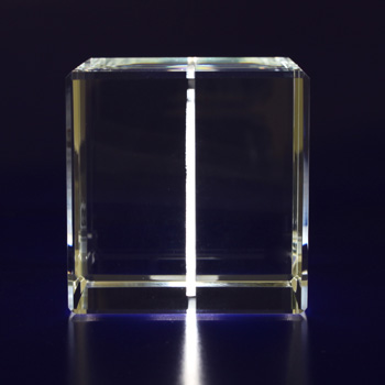 2D-Photo-Crystal-50mm-Cube-Side-View