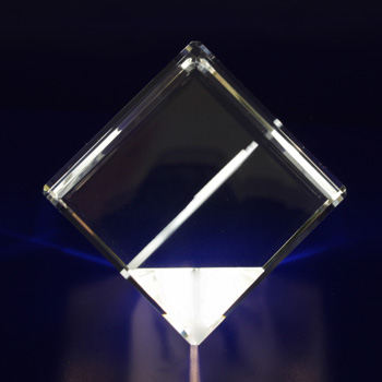2D-Photo-Crystal-60mm-Diamond-Side View